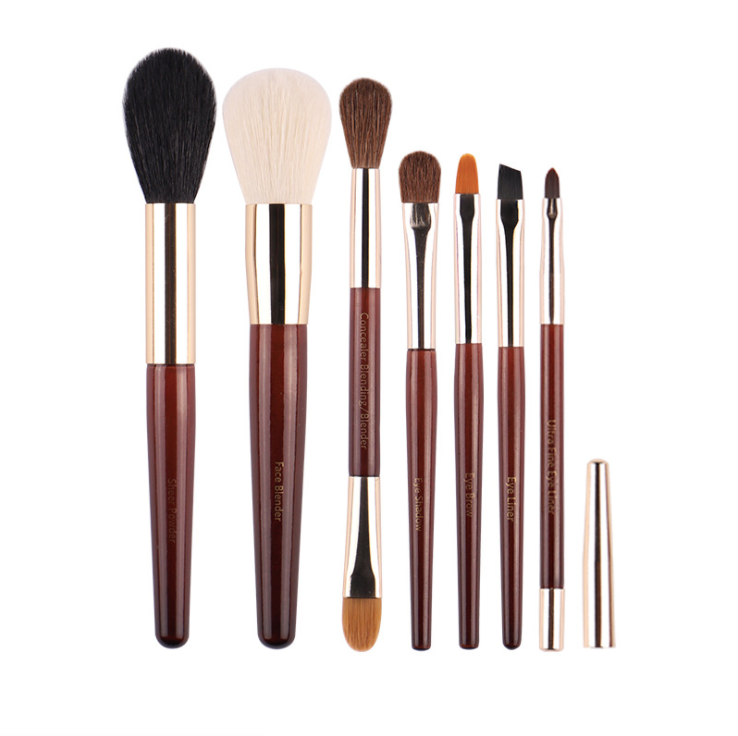 Bobbi Brown  Limited Edition Deluxe Christmas Travel Brush Set