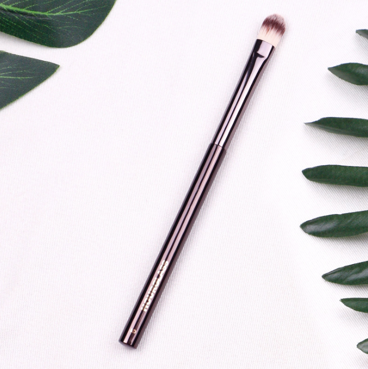 Hourglass N° 5 Concealer Brush