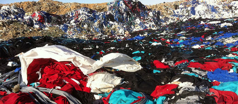 Syrian Landfill overrun with discarded clothing