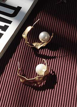 Pearl Gold Hoop Dangle Earrings for Women