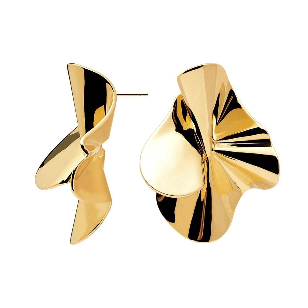 Lustrous Statement-making Wavy Pattern Handmade Pair of 18k Gold Plated Big Stud Earrings