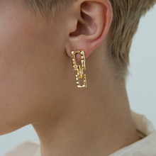 Load image into Gallery viewer, Textured Chain No.4 Link Earrings