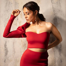 Load image into Gallery viewer, Nushrat Bharucha in Minimal Handmade Twisted Knot Dangle Earrings During Movie Promotions