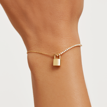 Load image into Gallery viewer, Minimal Bond Gold Lock Bracelet