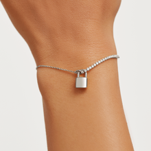 Load image into Gallery viewer, Minimal Bond Silver Lock Bracelet