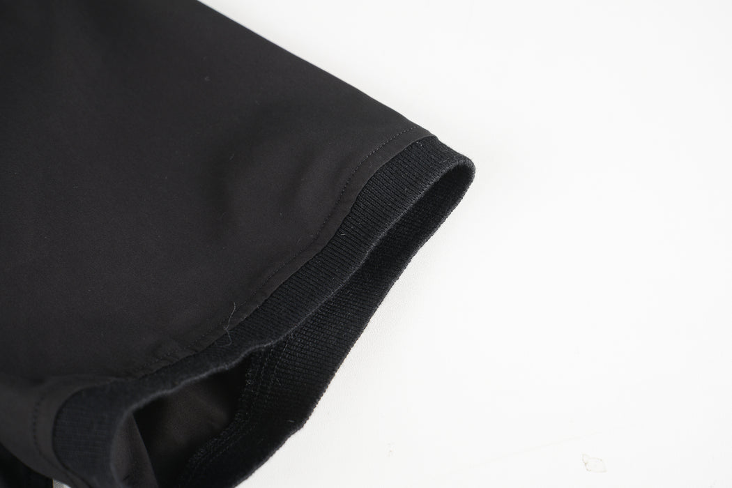 Men Contrast Collar Polo Shirt in Black (Sleeve Detail)
