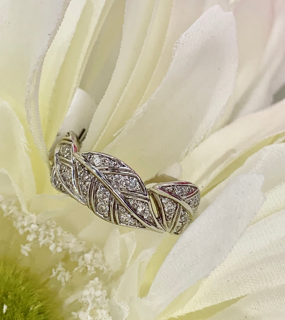 Vintage style 14k white gold and diamond leaf ring
