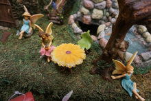 Load image into Gallery viewer, Fairy Garden  | Table | Daisy Table with leaf chairs | Miniature Accessories