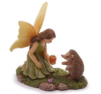 Fairy Feeding the HedgeHog an apple MG374