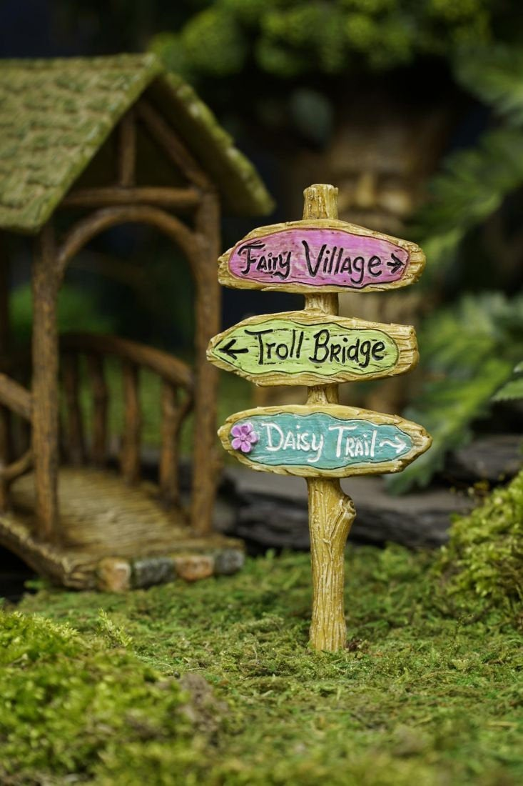 Troll Bridge Sign for Fairy Garden MG373