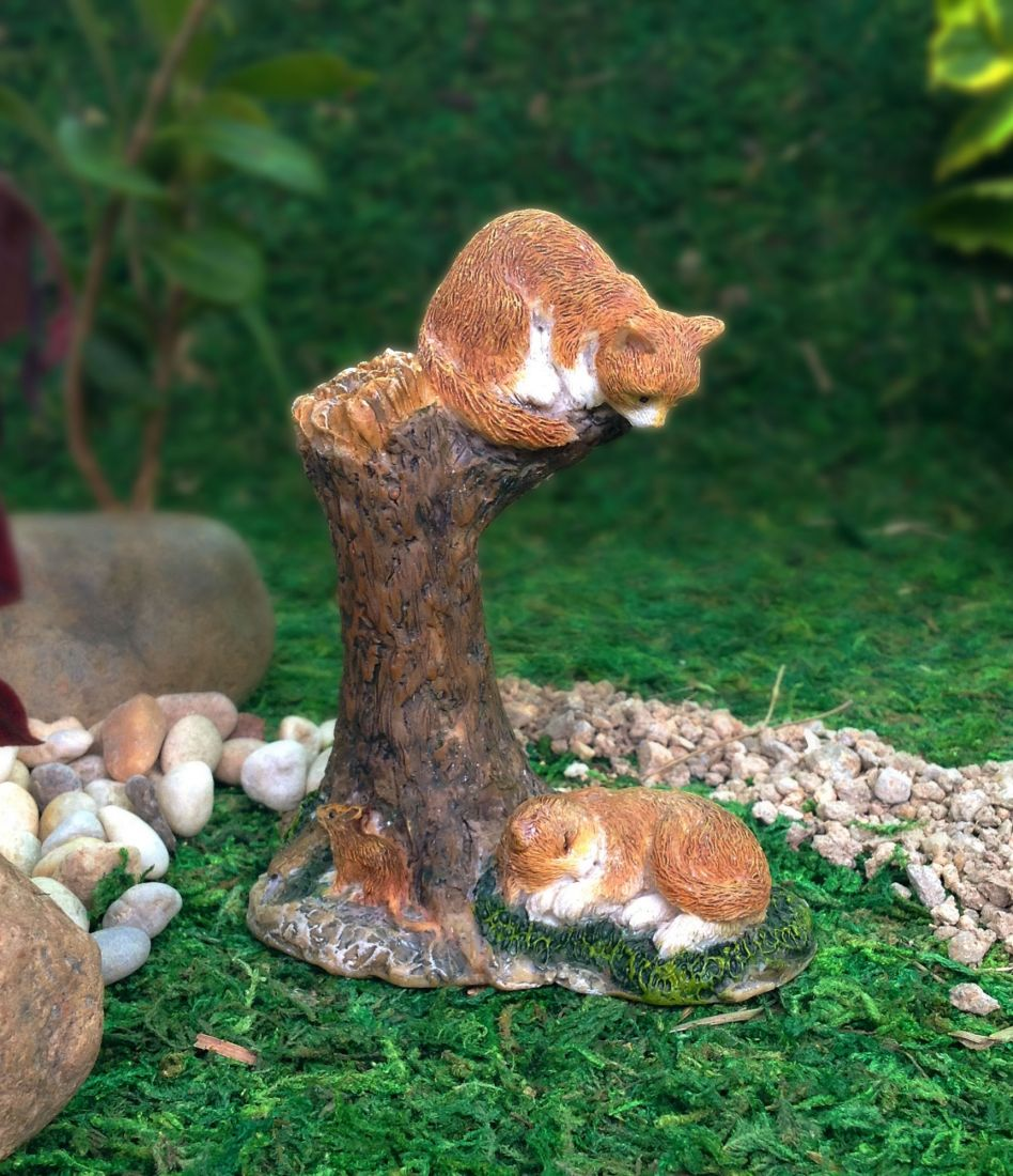 Fairy Garden | cats| A cat sitting in the tree ready to pounce on his friend below | accessories MG73