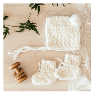 Bonnet + Bootie Gift Set (Ivory)