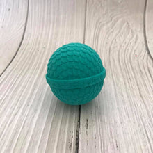 Load image into Gallery viewer, Round Scalloped Mermaid Egg Bath Bomb Hand Mold