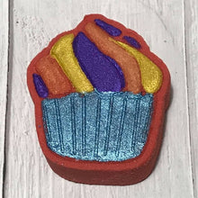 Load image into Gallery viewer, Flat Cupcake Bath Bomb Hand Mold