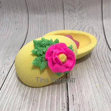 Load image into Gallery viewer, Egg Bombshell Bath Bomb Hand Mold