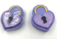 Load image into Gallery viewer, Heart Lock Mini Bath Bomb Hand Mold