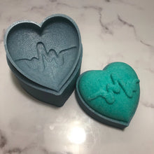 Load image into Gallery viewer, Heartbeat Bath Bomb Hand Mold