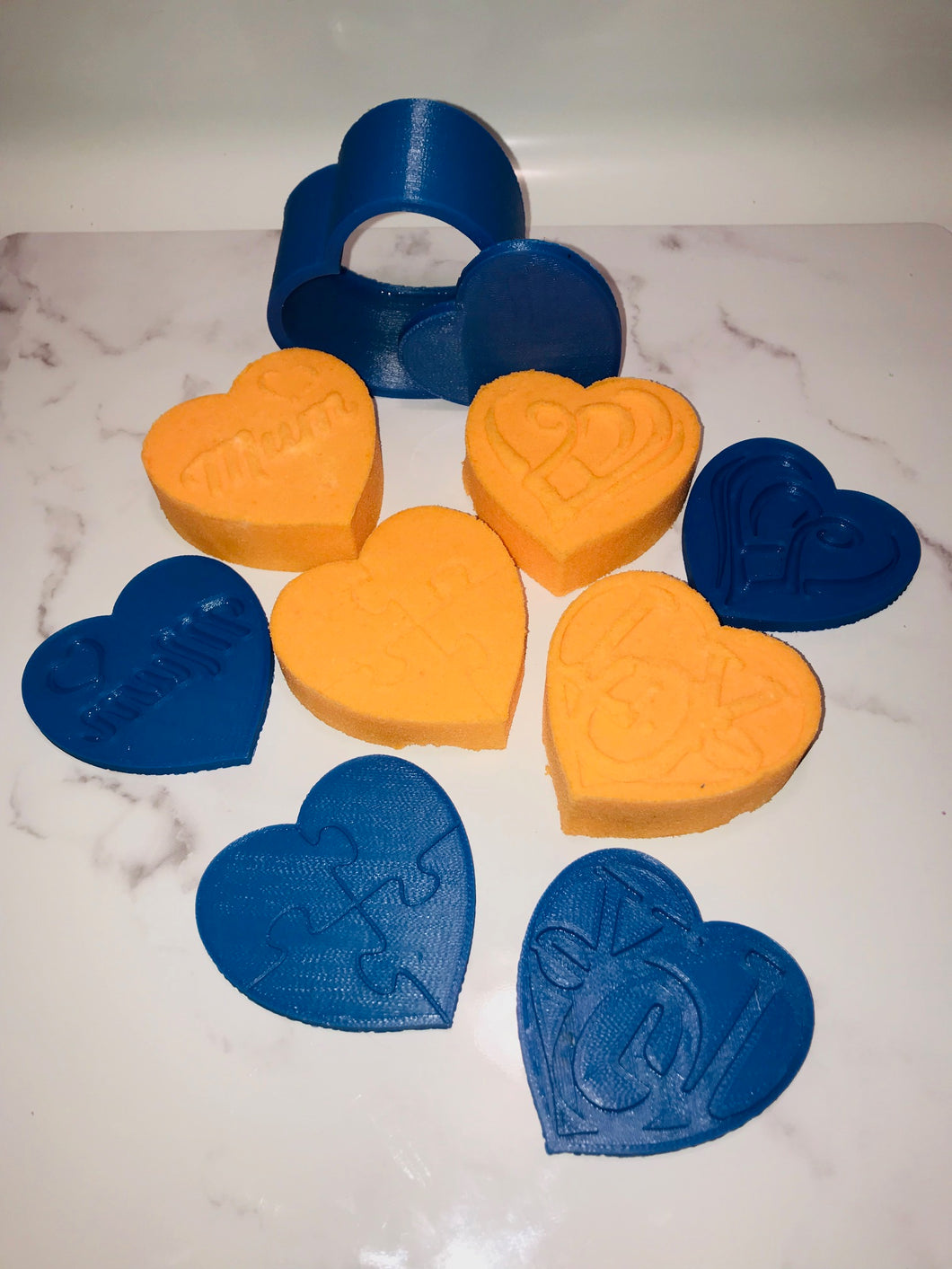 Hearts with Plates Bath Bomb Hand Mold