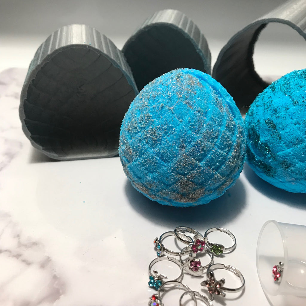 Mermaid Egg Bath Bomb Hand Mold