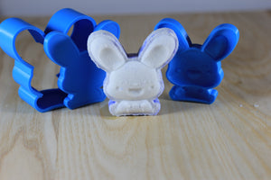 Excited Mouse Bath Bomb Hand Mold