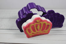 Load image into Gallery viewer, Princess Crown Bath Bomb Hand Mold