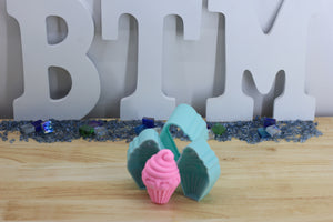 Cupcake with Frosting Bath Bomb Hand Mold