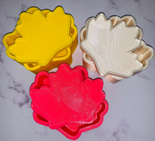 Load image into Gallery viewer, Maple Leaf Bath Bomb Hand Mold
