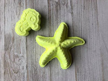 Load image into Gallery viewer, Starfish Bath Bomb Hand Mold