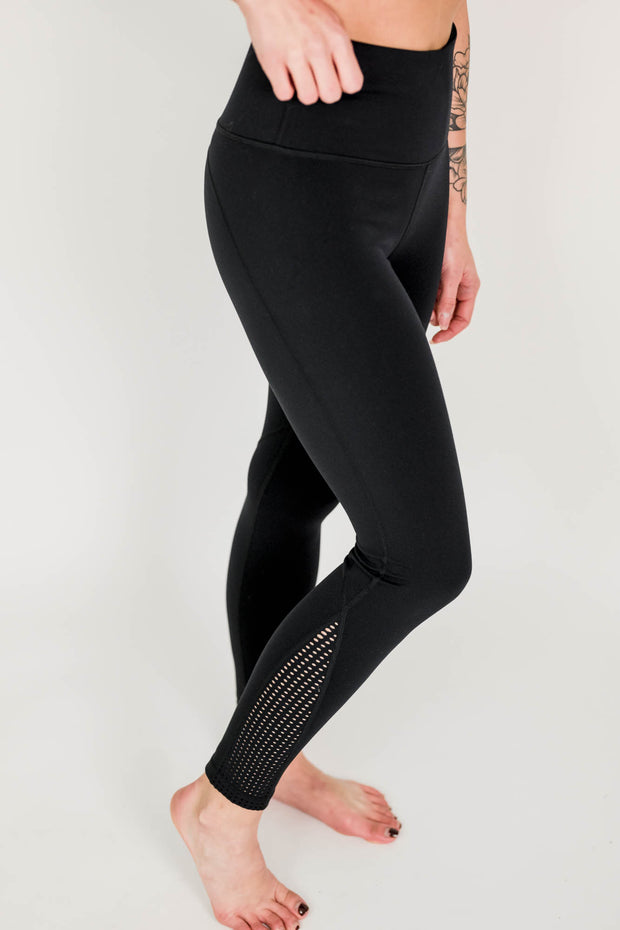 Perforated Panel High Waist Performance Leggings