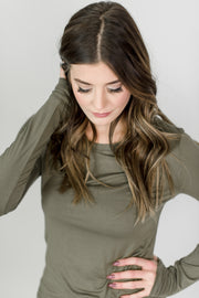 Basic Round Neck Knit Top