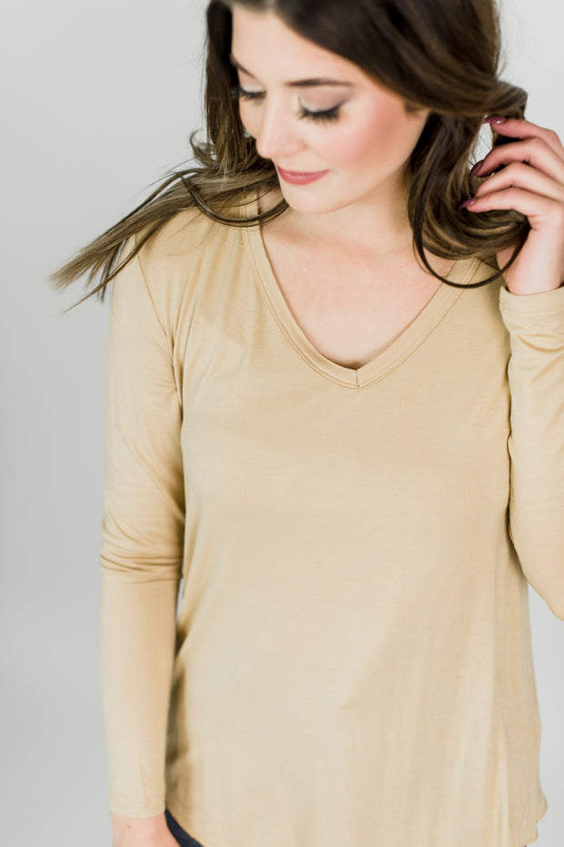 Basic V-Neck Knit Tee