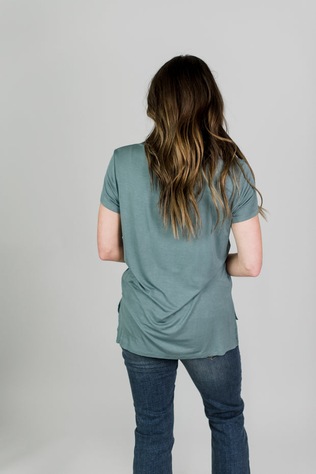Simple Pocket Tee Shirt