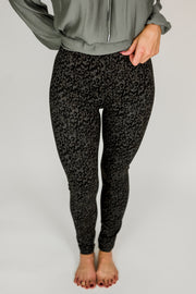 Liverpool Reese Leopard Ankle Leggings