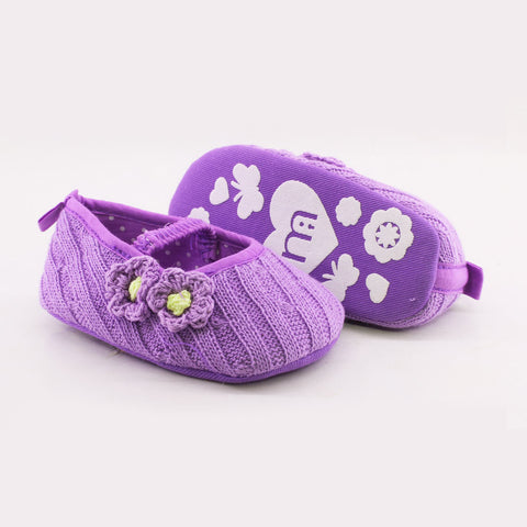 MOTHER CARE Wool Knitted Hook Flower Purple Baby Pre walker Pumps