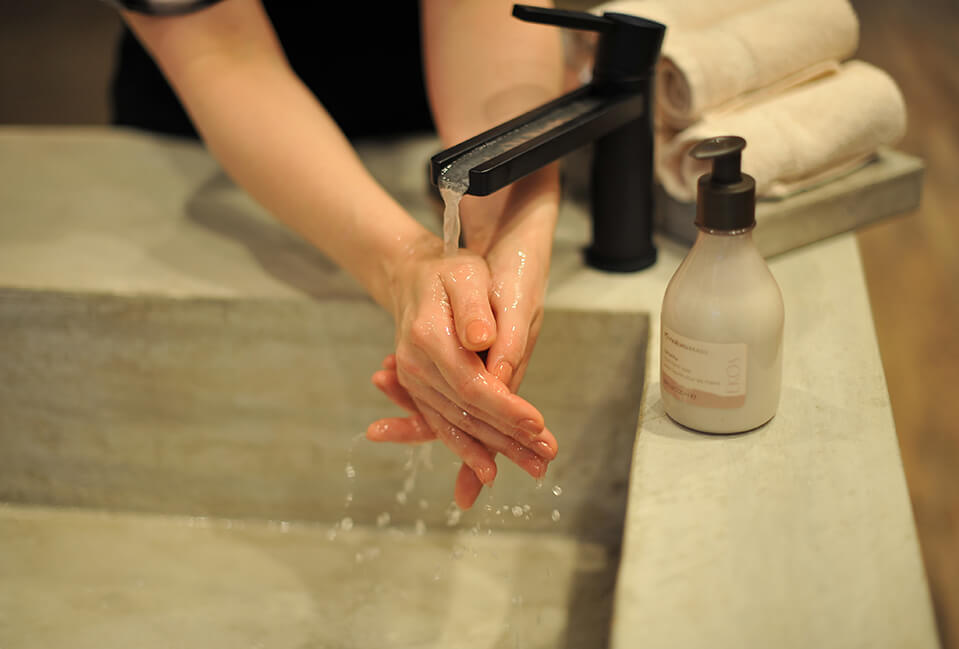 Washing Hands Castanha Liquid Soap