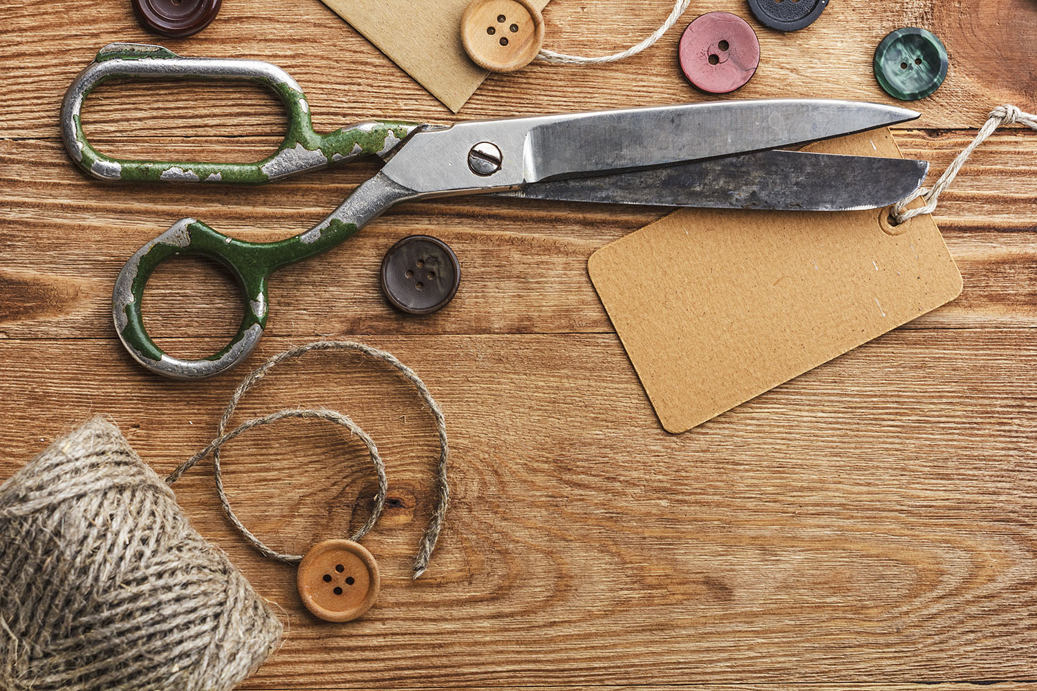Keeping scissors sharp - how to keep scissors sharp