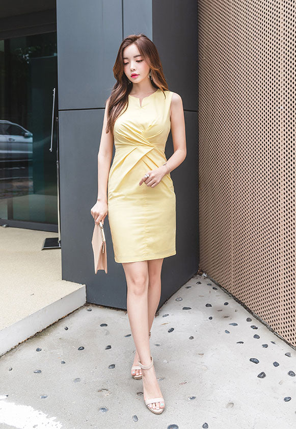 DR20103 Sleeveless Round Neck Sheath Dress
