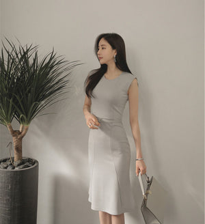 DR20001 Sleeveless Round Neck Fishtail Dress