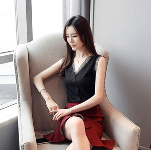 TP20149 Sleeveless V Neck Lace Top