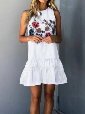 Fashion Casual Vacation Sleeveless Embroidery Halter Shift Dress