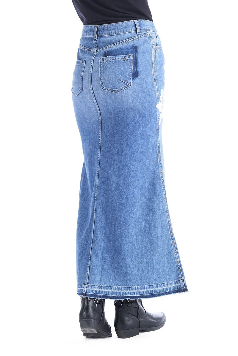 Gonna lunga in denim con patches fiori, relish fashion moda, abbigliamento femminile