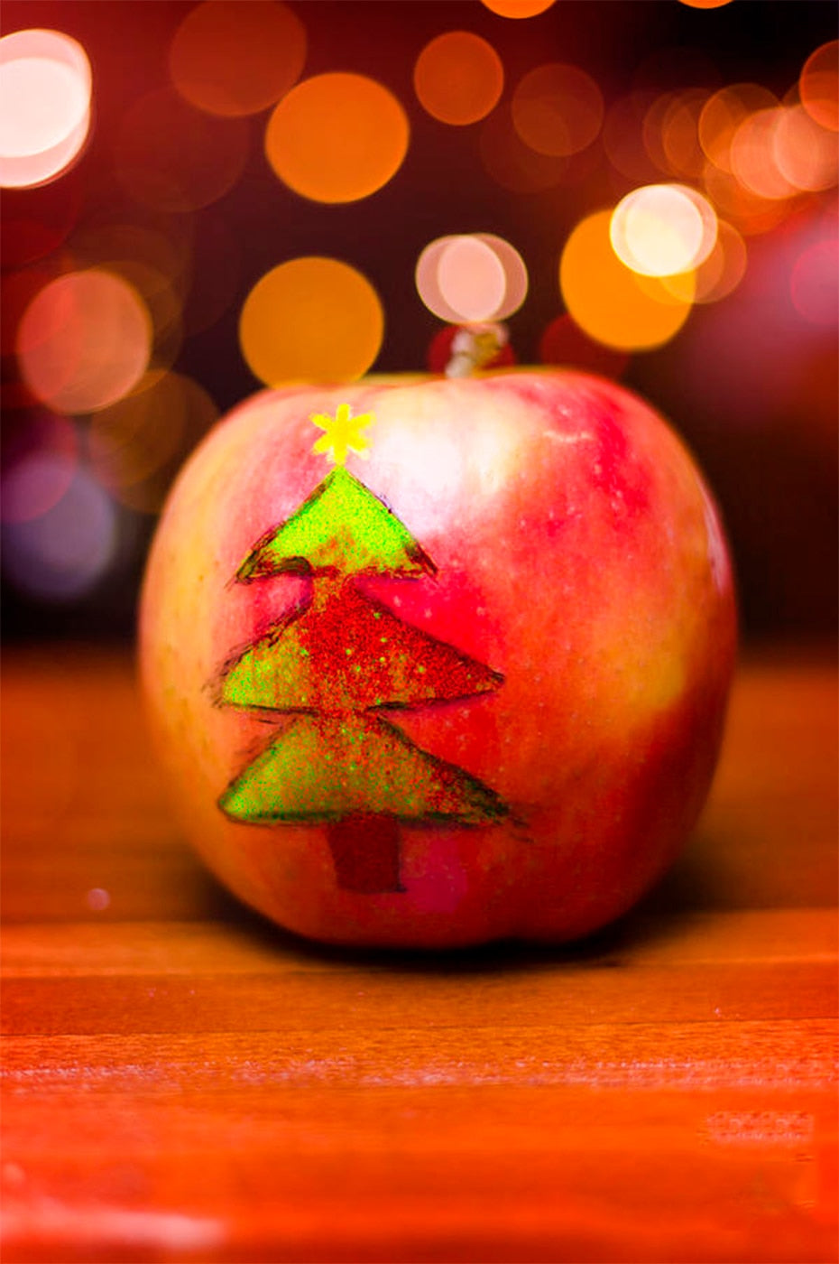 apple with xmas tree