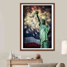Load image into Gallery viewer, Statue of Liberty DIY Diamond Painting