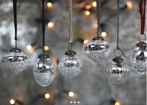 Snow Drop Baubles - Silver Crackle