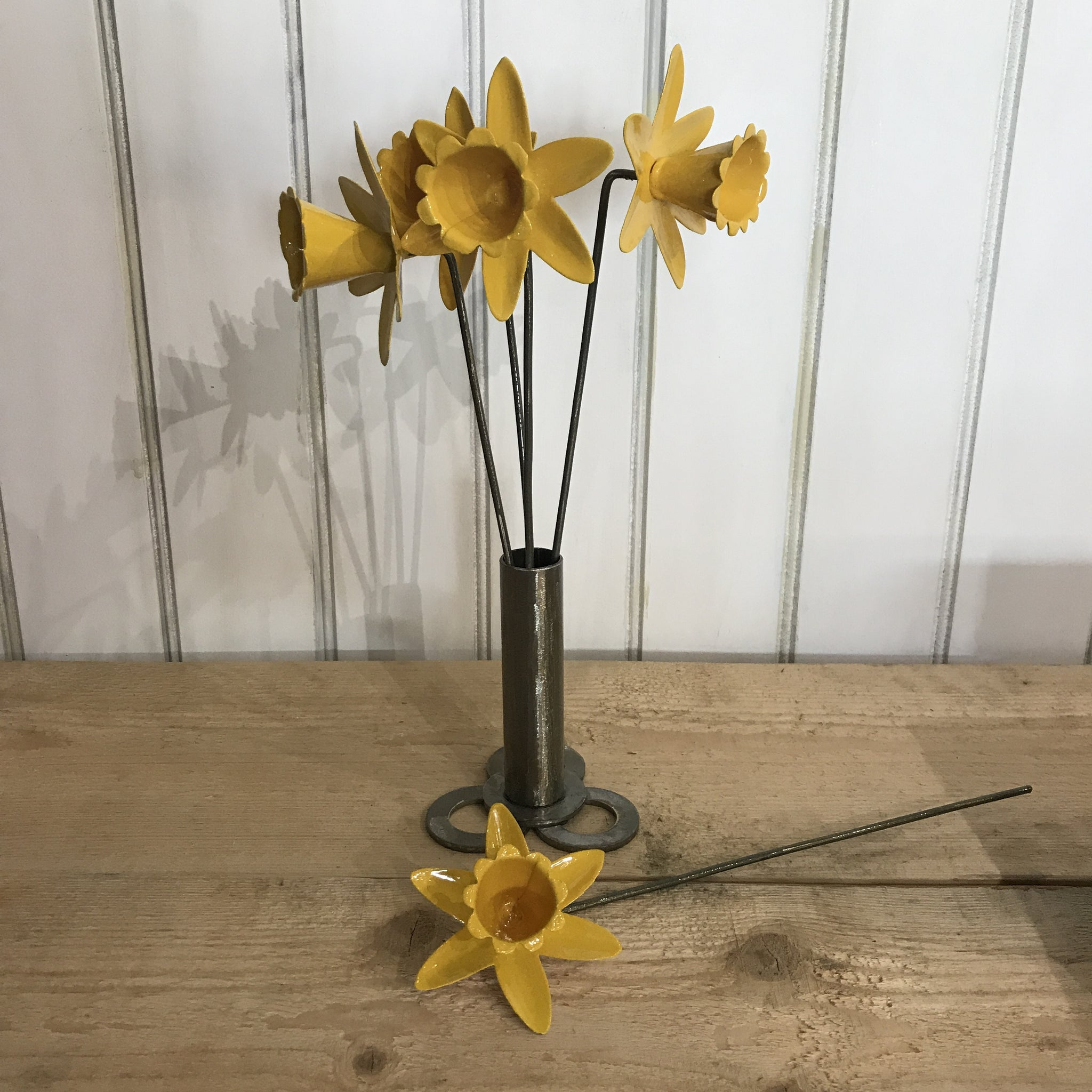Daffodil metal sold on behalf of Les Brooks