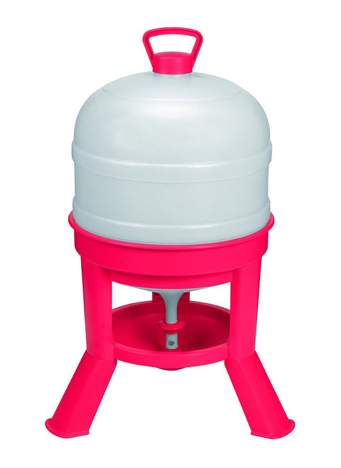 Little Giant® 8 Gallon Plastic Dome Waterer