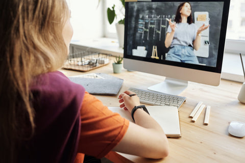 Students in Distance Learning Can Benefit from Dual-Monitor Setup and Standing Desk   EFFYDESK Ergonomics Blog