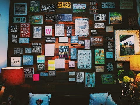 Lots of positive wall vision board that can encourage you everyday