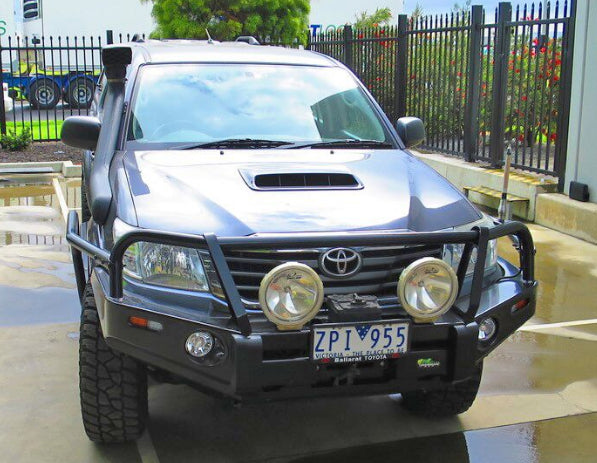 Hilux Ironman Deluxe Commercial Bull Bar
