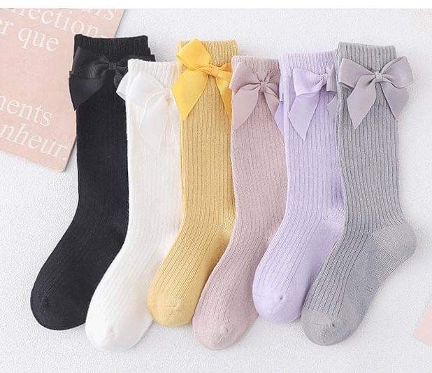 Ribbed Knee High Bow Socks